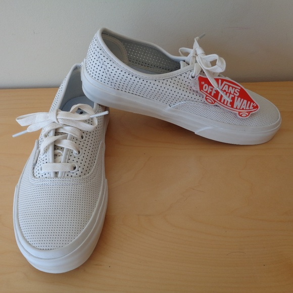 NEW Vans Authentic DX Square Perf White Sneakers 9301406b0